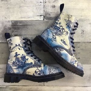 Dr Martens Pascal Boots Willow Cristal Suede China